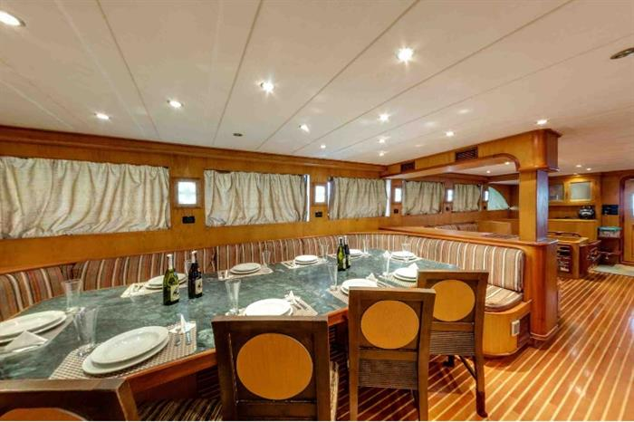Dining area - Blue Pearl Liveaboard