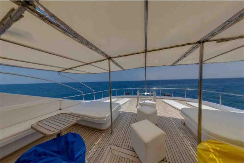 Relaxing sun deck onboard Blue Pearl Liveaboard