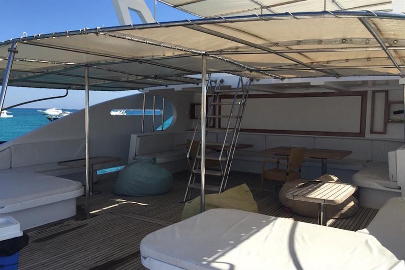 Blue Pearl Liveaboard sun deck area