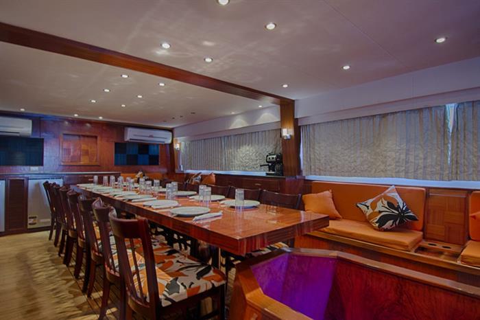 Blue Planet 1 salon & dining area