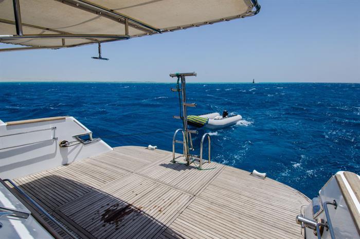 Blue Planet 1 dive deck & dive platform area