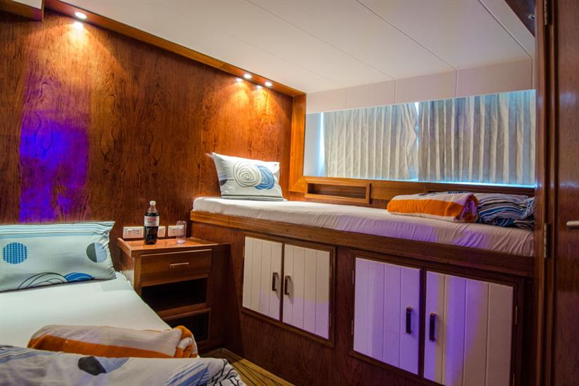 Blue Planet 1 twin cabin front lower deck
