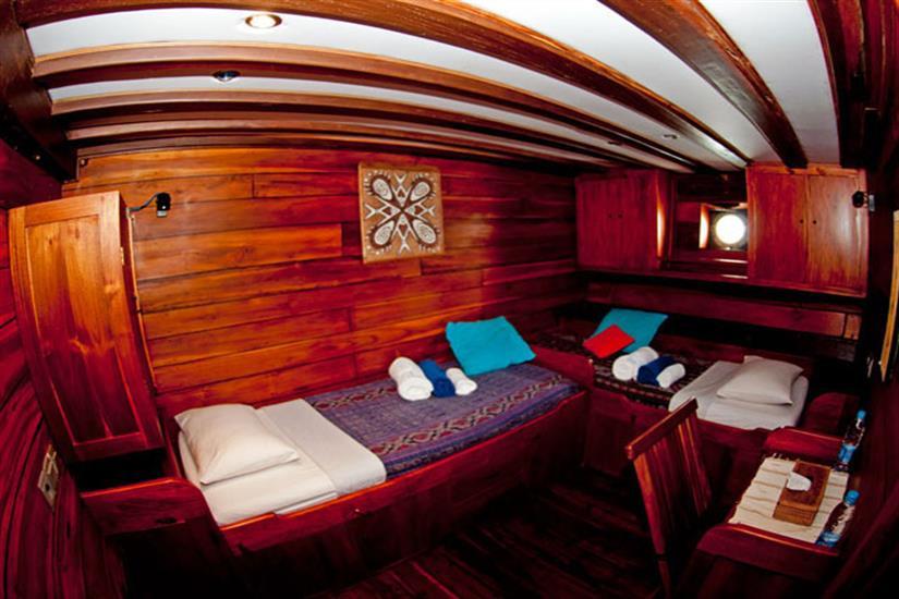 Twin Cabin - Aurora Liveaboard