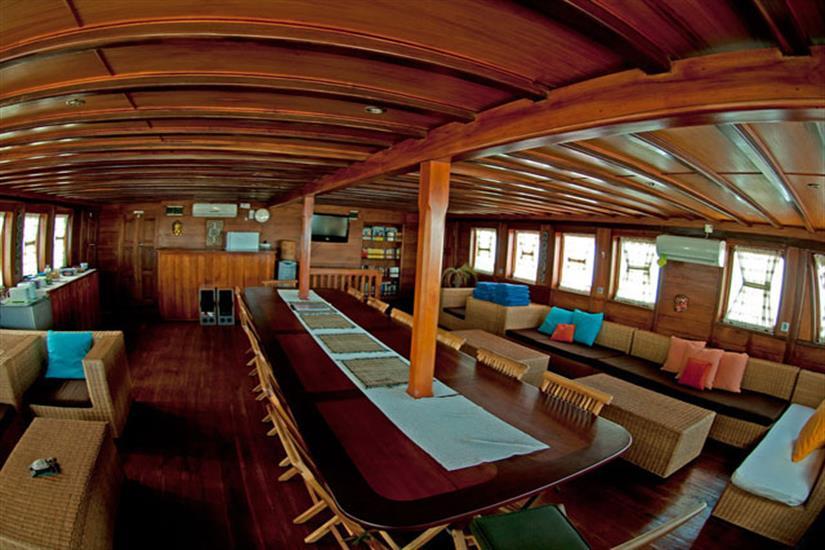 Indoor Lounge & Dining Area - Aurora Liveaboard