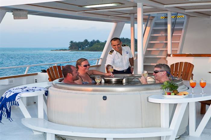 Hot Tub onboard Belize Aggressor III Liveaboard
