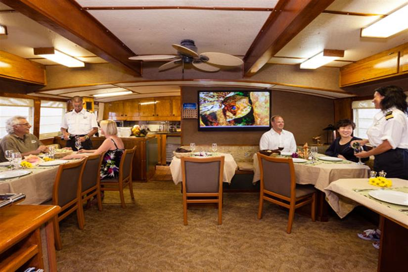 Bahamas Aggressor Evening Dining