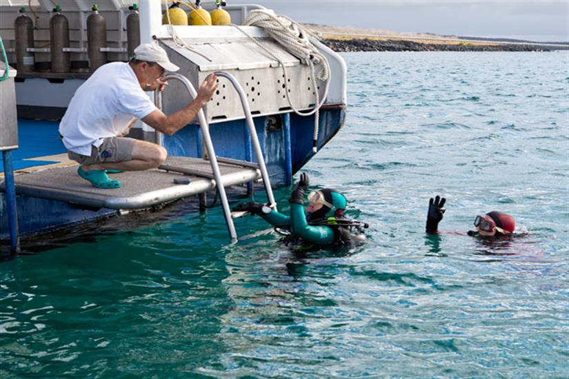 Galapagos Aggressor III Liveaboard Dive Deck