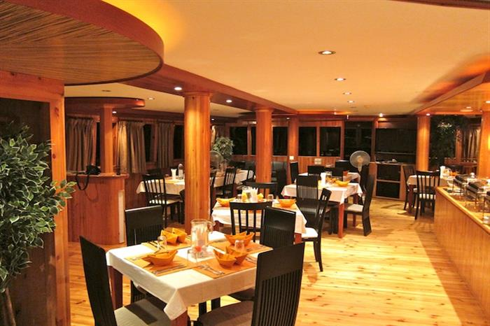 MV Orion Liveaboard Dining Room