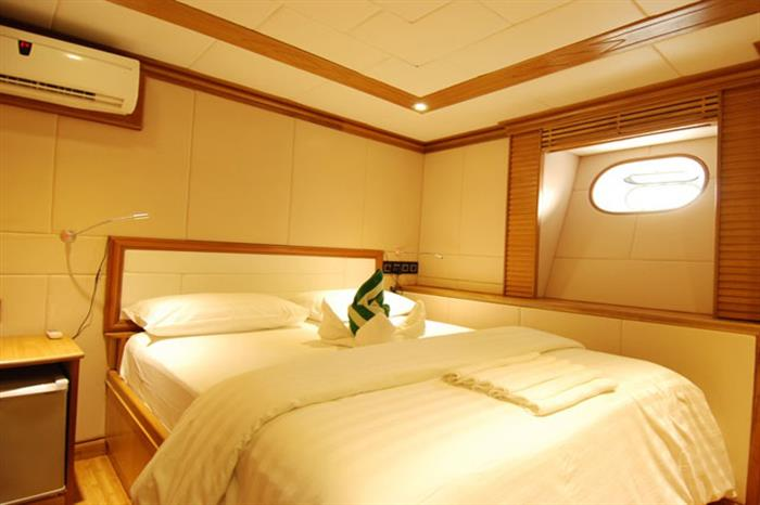 Upper Deck Cabin - MV Virgo Liveaboard