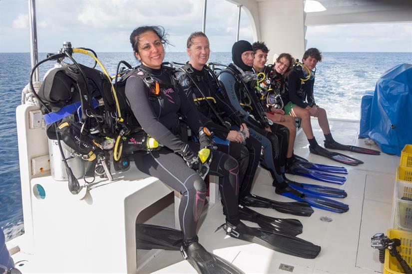 Diving Dhoni - MV Leo Liveaboard