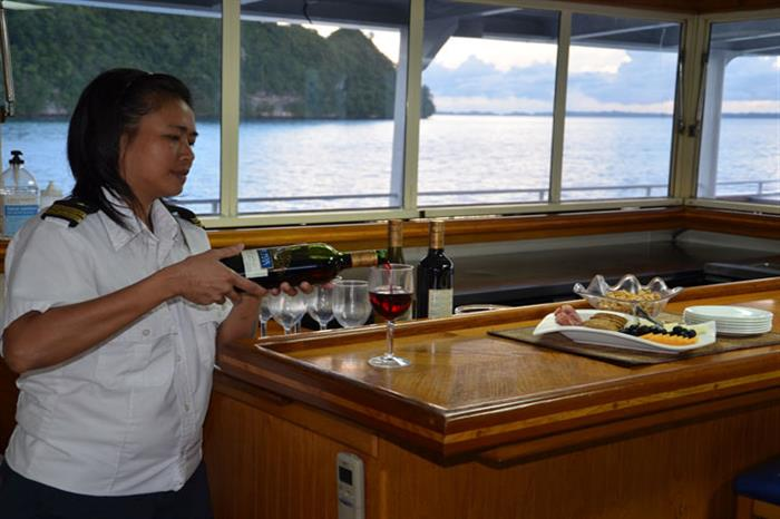 Palau Aggressor II Liveaboard Bar