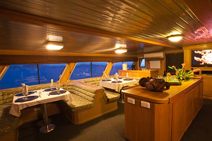 Thailand Aggressor Liveaboard Dining/Bar Area