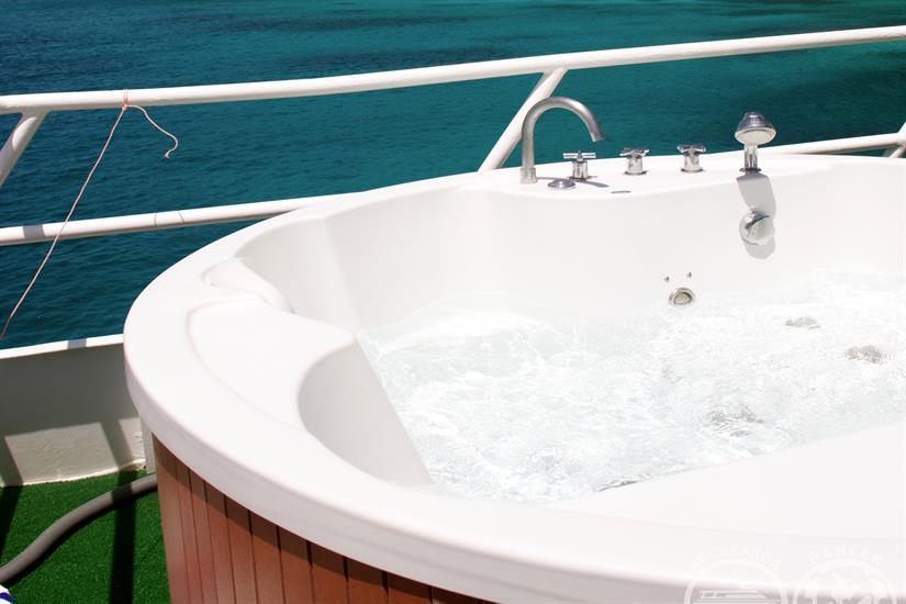 Thailand Aggressor Liveaboard Hot Tub