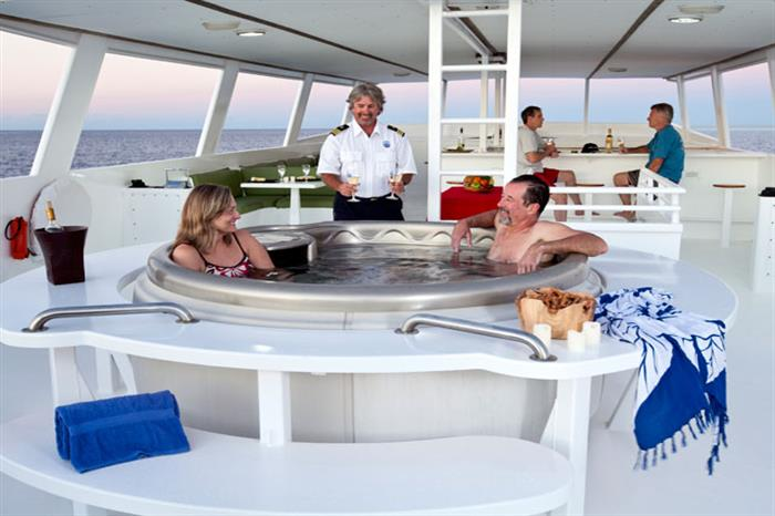 Turks and Caicos Aggressor Liveaboard Hot tub