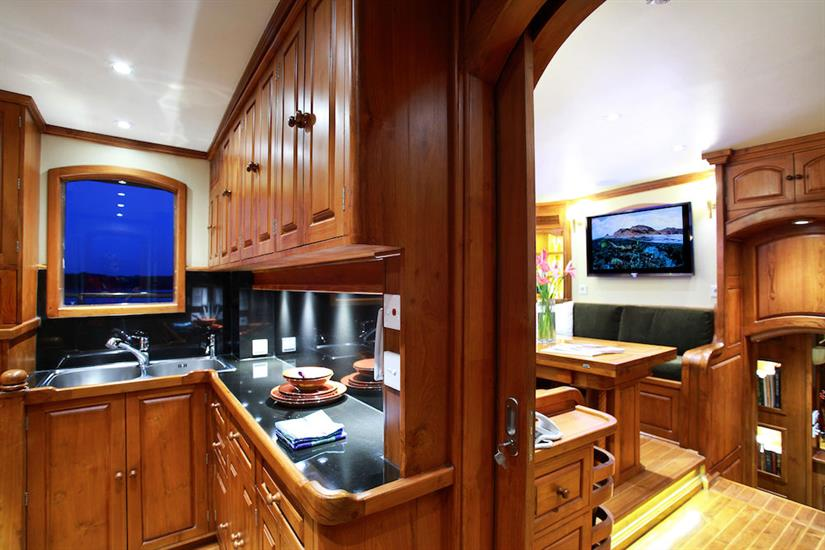 Galley area - Adelaar Liveaboard