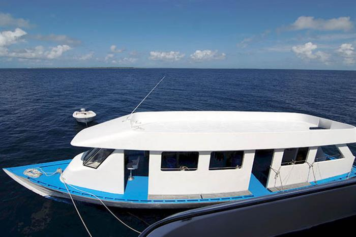 Diving dhoni - Amba Liveaboard Maldives