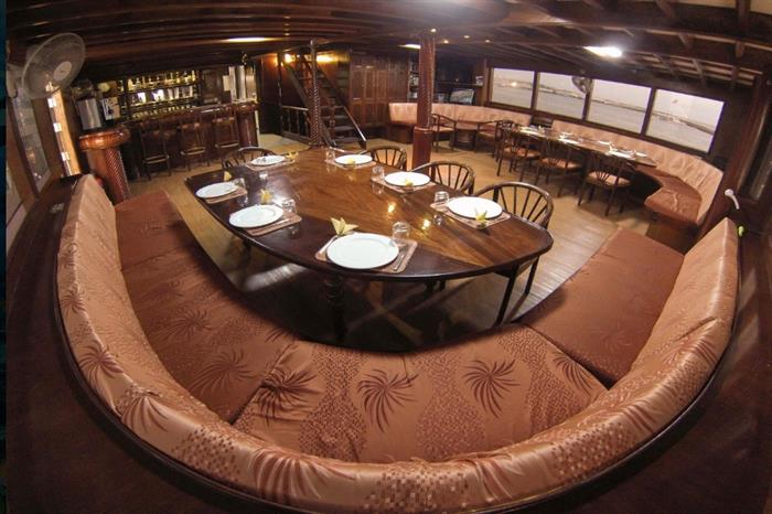 Indoor dining area - Amba Liveaboard