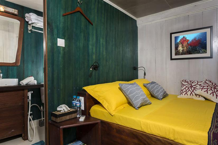 All cabins with en-suite bathrooms - Ambai Indonesia