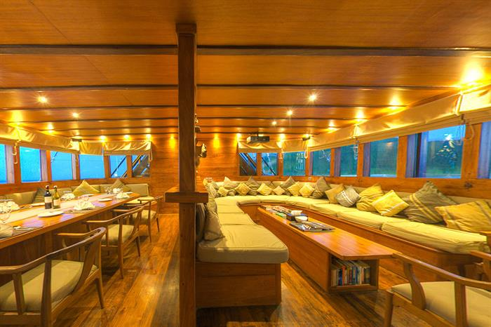 Spacious lounge & dining area - Damai II