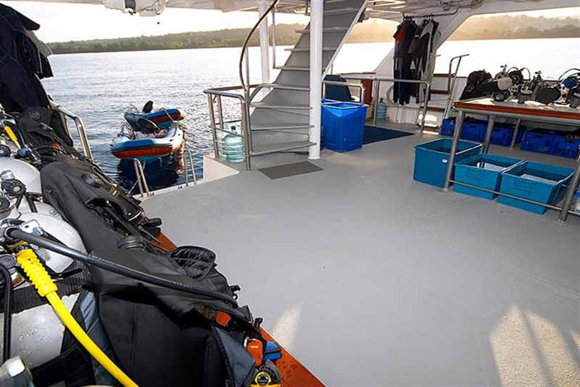 Mermaid I Liveaboard Dive Deck