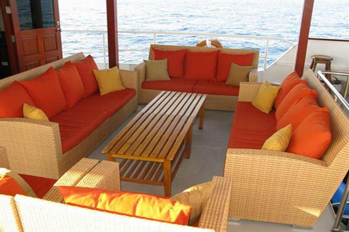 Outdoor Lounge Area - Mermaid I Liveaboard