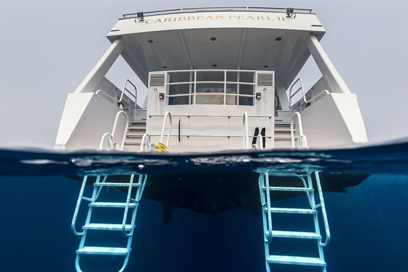Dive deck - Caribbean Pearl II Bay Islands