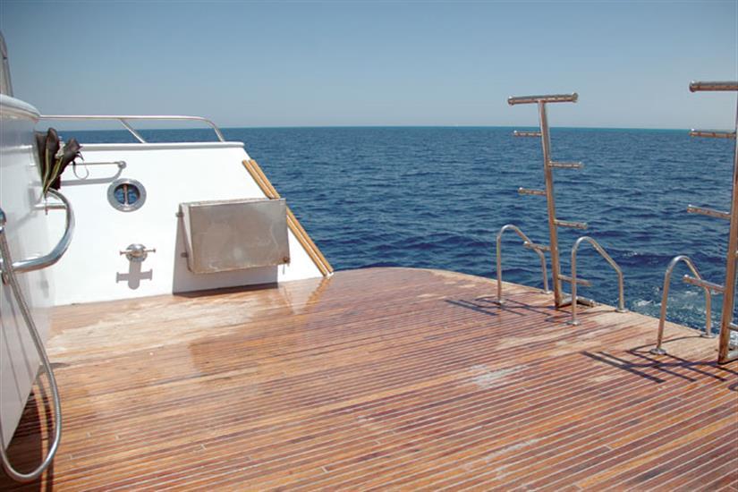 Dive platform - Blue Fin Liveaboard