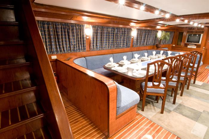Blue Horizon Liveaboard - Dining area