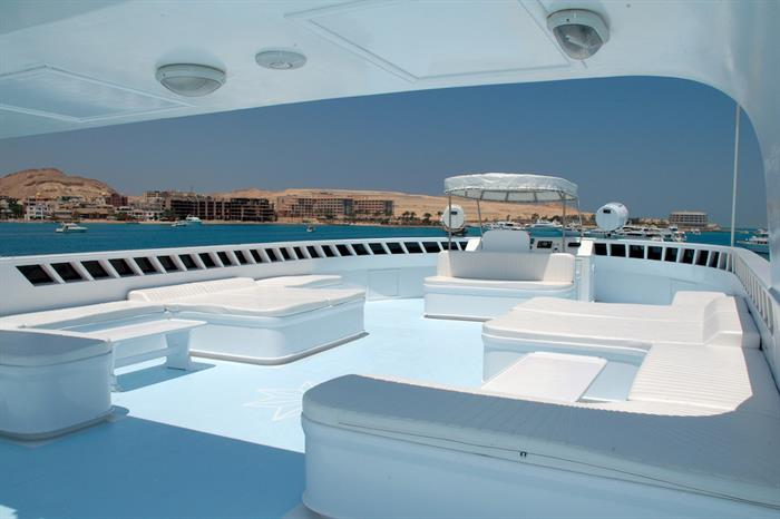 Spacious sun deck - Blue Horizon Liveaboard