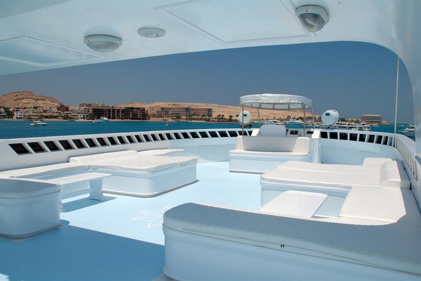 Spacious sun deck - Blue Horizon Liveaboard