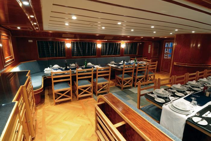 Blue Melody liveaboard - Dining area