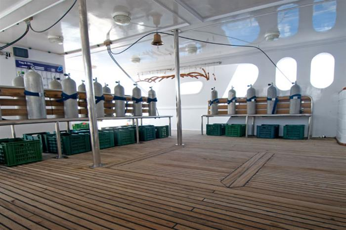 Dive Deck - MV Blue Voyager