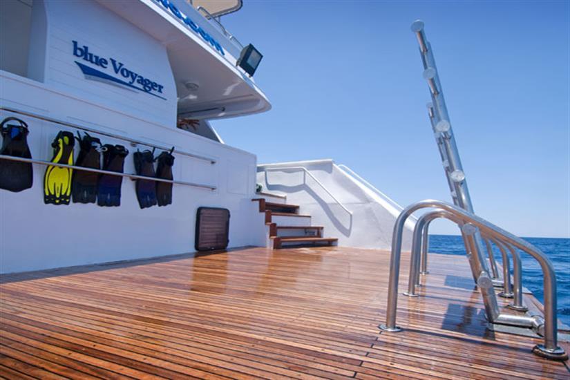Spacious Dive Platform - Blue Voyager Maldives