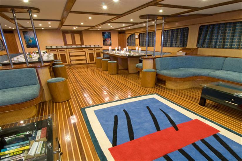 Blue Voyager Salon & Dining Area