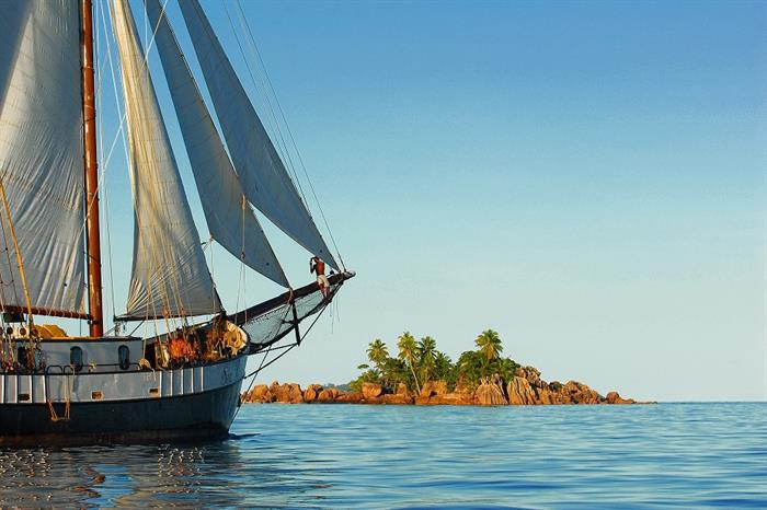 Sea Pearl Liveaboard sailing the Seychelles