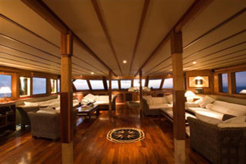 Spacious Lounge Area - Ocean Divine