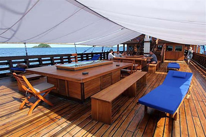 Covered outdoor deck - Amira Indonesia