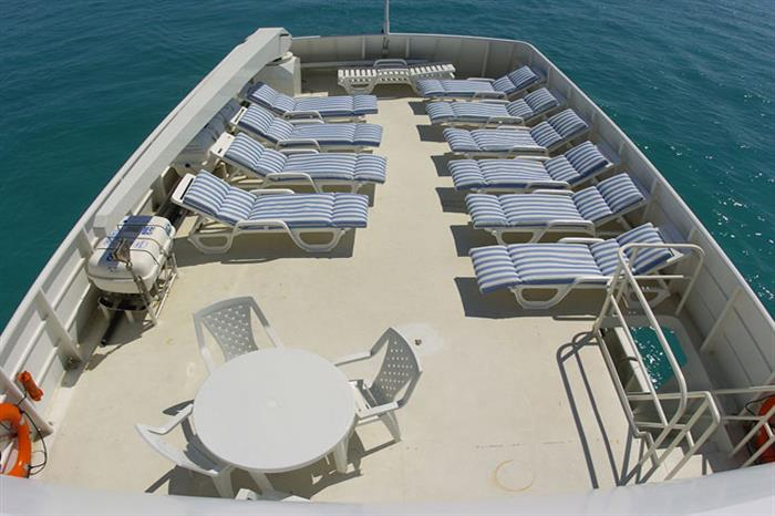 Sun deck & BBQ area Turks and Caicos Explorer II