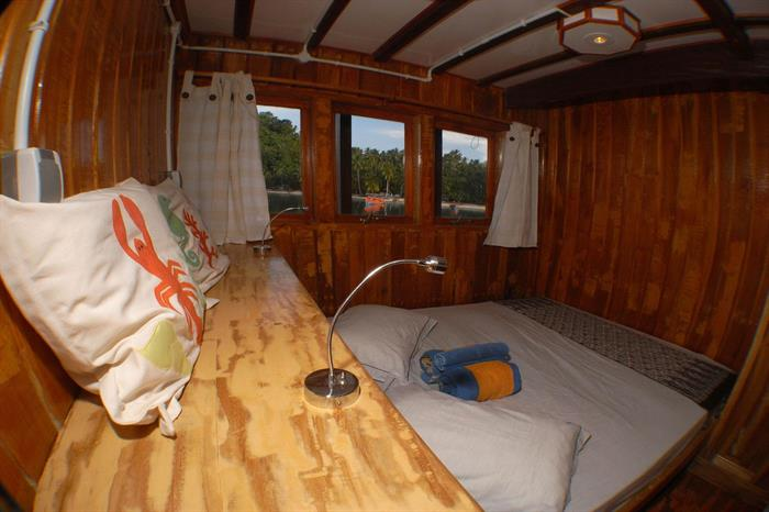 Upper deck cabin - Sunshine Liveaboard