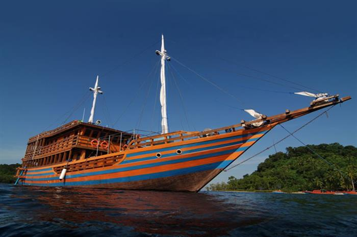 Sunshine Liveaboard