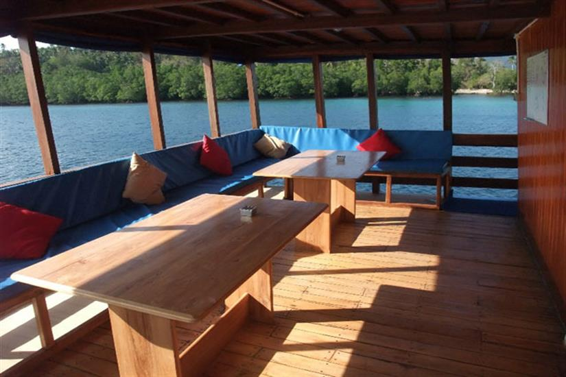 Open air dining area - Sunshine Liveaboard