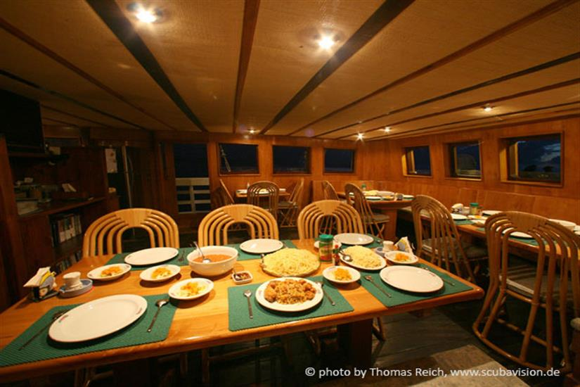 Dining area - Pindito Liveaboard