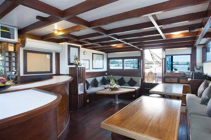 Relax in the Salon area onboard Katharina Liveaboard