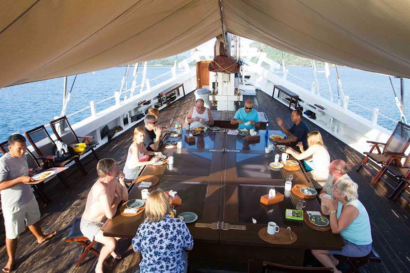 Upper deck dining - Katharina Liveaboard