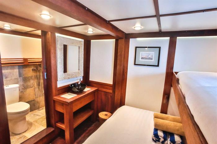 Ombak Putih - Triple Cabin