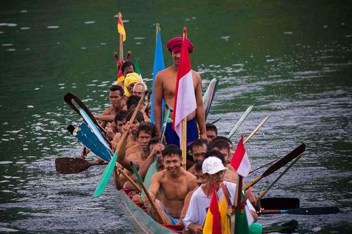 Experience local villages and traditions