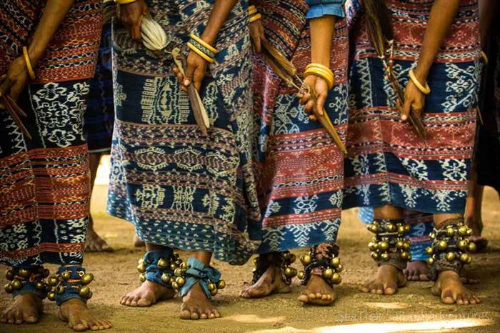 Traditional Indonesian textiles - Ombak Putih