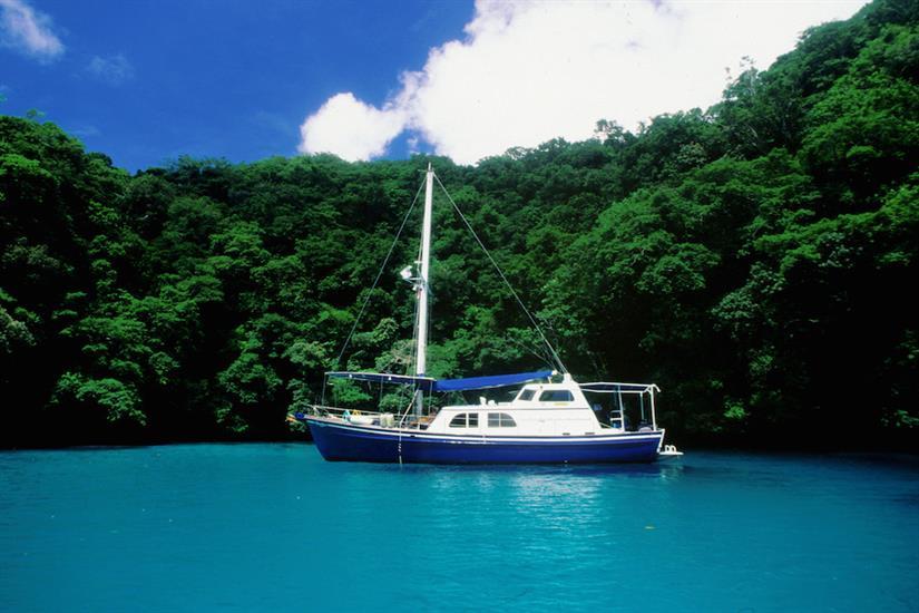 Ocean Hunter 1 in lagoon in Palau