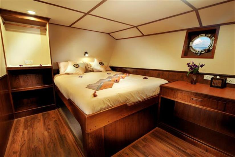 En-Suite Cabins 7&8 - Black Manta Indonesia