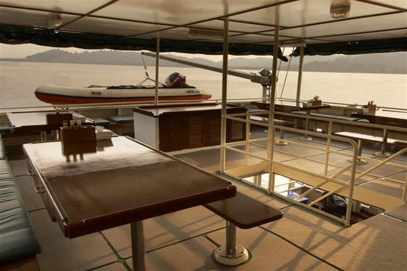 Open Air Dining Deck - Black Manta